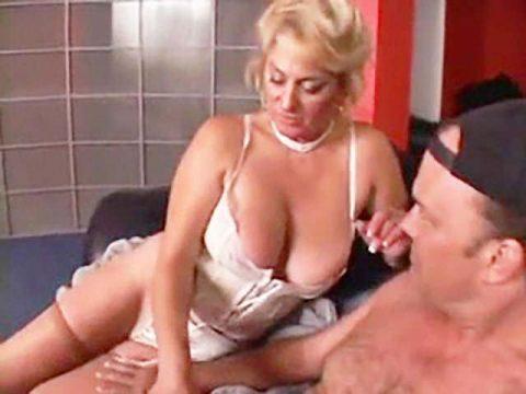 Oma-Pornos